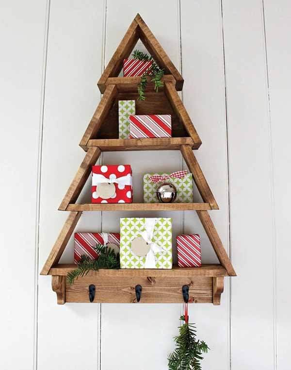Trang trí không gian nhà ngày Noel bằng những chiếc kệ gỗ