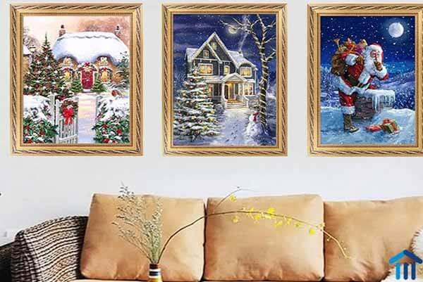 Trang trí tường bằng tranh Noel treo tường